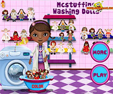 Violetta washing dolls